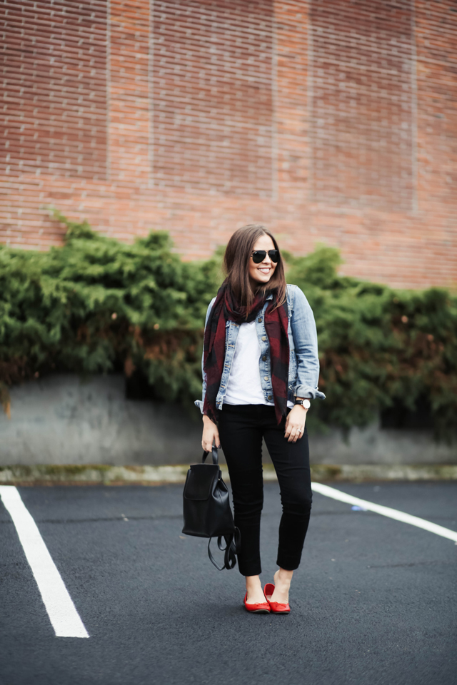 black-white-and-red-fall-outfit