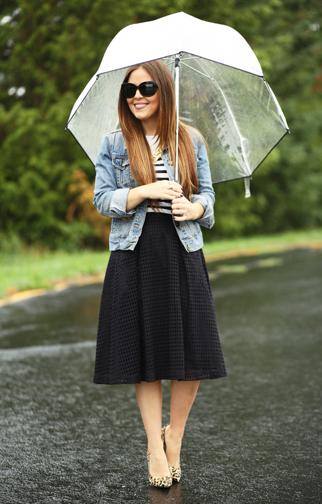 how to wear a skirt on a rainy day