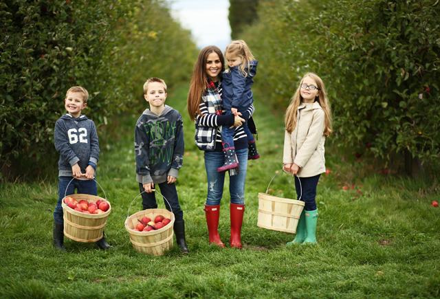 fall apple picking with kids outside seattle washington