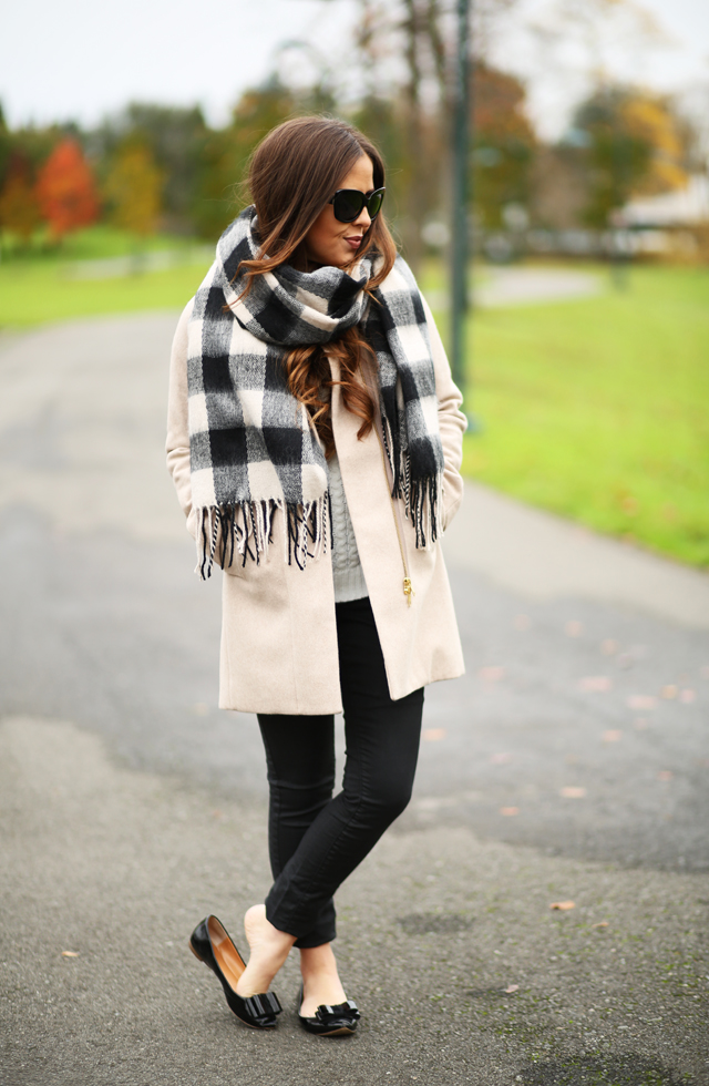 how to style a coat with a scarf