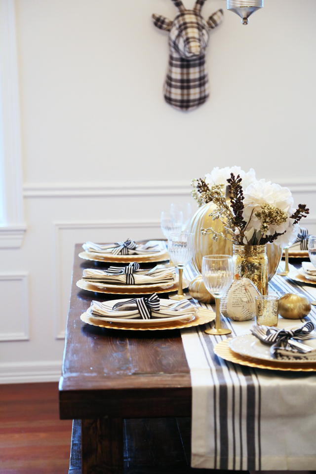 All set black and gold thanksgiving table dress cori lynn for Easy table settings for thanksgiving