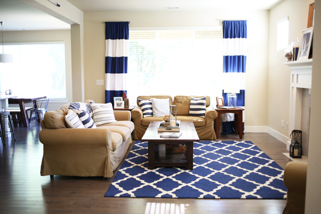 nautical-navy-living-room