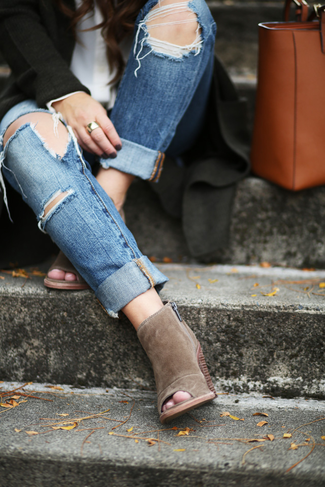 ripped-jeans-open-toe-booties