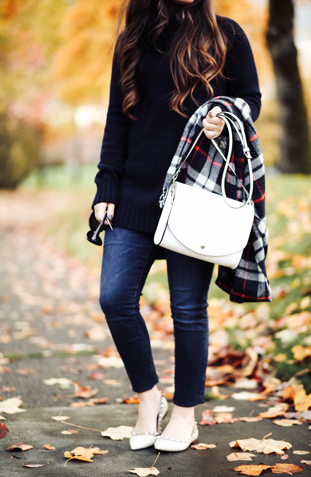 sweater-tunic-with-white-flats-plaid-scarf
