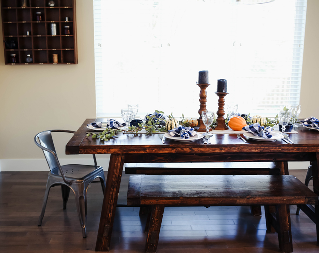 thanksgiving-table-9876