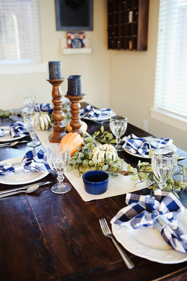 thanksgiving-table-9887
