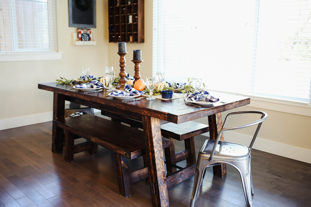 thanksgiving-table-9899