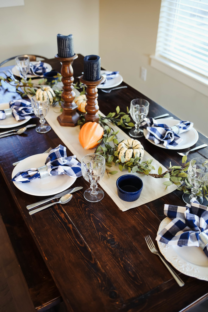 thanksgiving-table-9904
