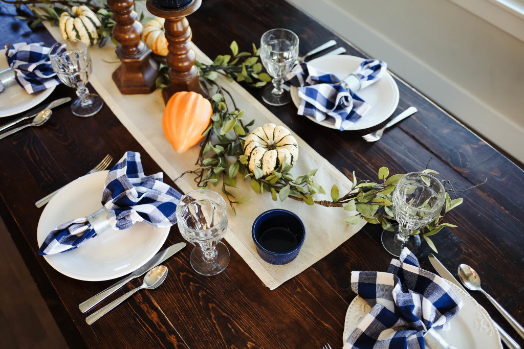 thanksgiving-table-9914