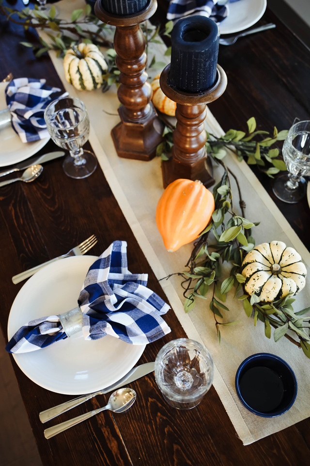 thanksgiving-table-9916