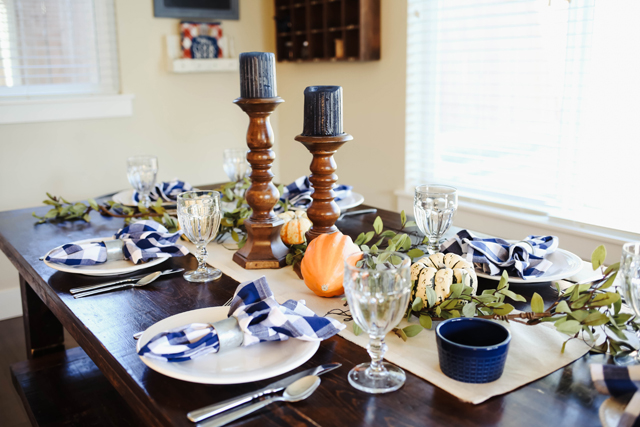 thanksgiving-table-9929