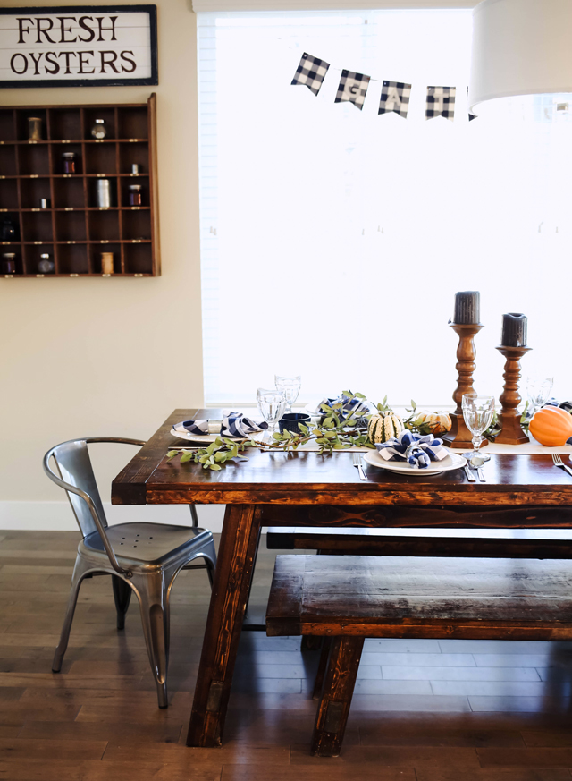 thanksgiving-table-9955