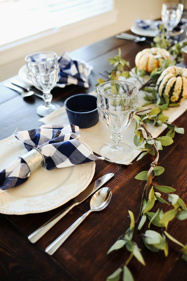 thanksgiving-table-9958